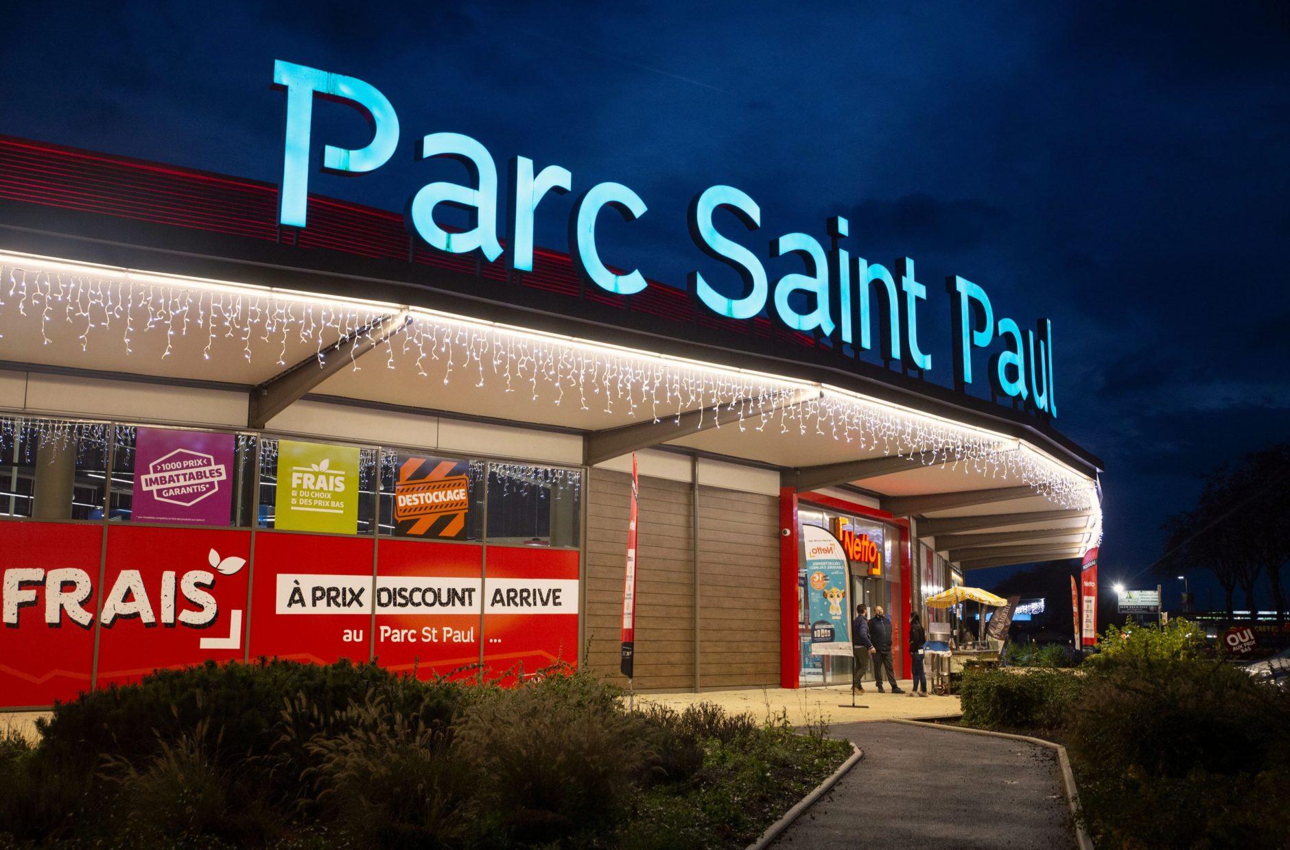 Parc Saint Paul éclairé le soir